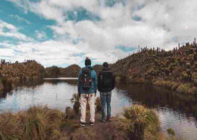 Geoparque Volcán del Ruíz es un exótico recorrido de senderismo por 12 atractivos turísticos, apreciando los ecosistema de páramos y humedales